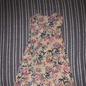 Divided H&M Yellow Floral Midi Dress Buttons